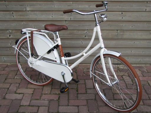 Batavus Young Dutch 24 inch Wit - Batavus_Young_Dutch_24_Wit_2013_04.jpg